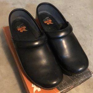Dansko Pro XP Cabrio shoes